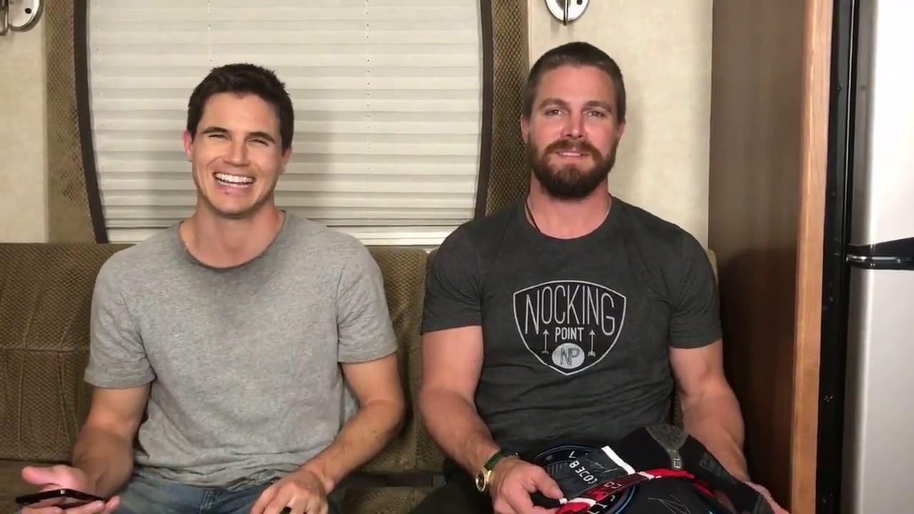 Stephen & Robbie Amell 'Code 8' Now on Netflix!
